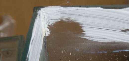 So sieht die Talkumschicht an manchen Stellen aus: Die Schicht ist teilweise nur noch halb so breit.