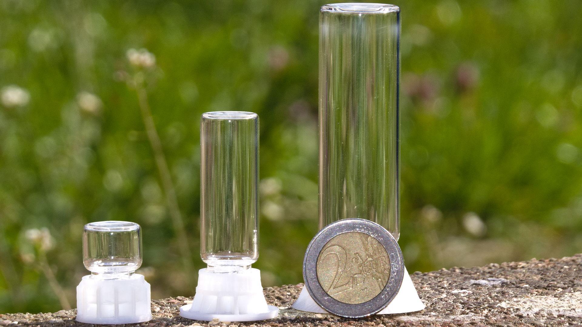 Das Foto zeigt die drei verschiedenen Größen der byFormica Liquid feeder, Micro, Mini und Mega